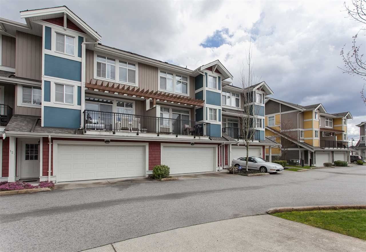 "Main Photo: 12 6036 164 Street in Surrey: Cloverdale BC Townhouse for sale in ""Arbour Village"" (Cloverdale)  : MLS®# R2156011"