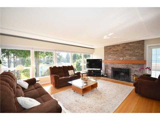 Photo 3: 480 GREENWAY AV in North Vancouver: Upper Delbrook House for sale : MLS®# V1003304