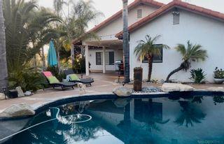 Photo 5: VISTA House for sale : 3 bedrooms : 883 Evergreen Lane