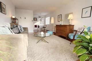 """Photo 3: 212 131 W 4TH Street in North Vancouver: Lower Lonsdale Condo for sale in """"Nottingham Place"""" : MLS®# R2239655"""