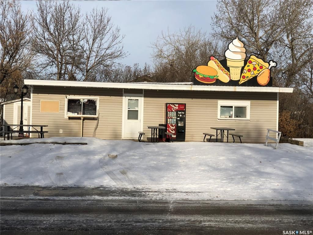 Main Photo: 2260 Proton Avenue in Gull Lake: Commercial for sale : MLS®# SK838856