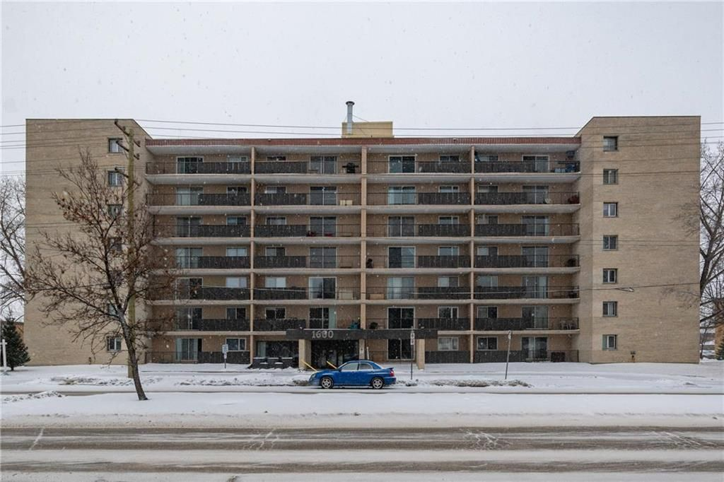 Photo 1: Photos: 309 1600 Taylor Avenue in Winnipeg: River Heights South Condominium for sale (1D)  : MLS®# 202101594