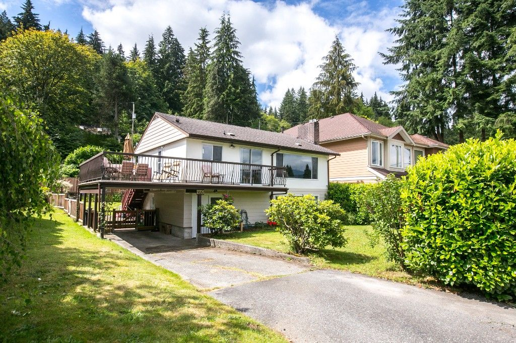 Main Photo: 2705 HENRY Street in Port Moody: Port Moody Centre House for sale : MLS®# R2087700