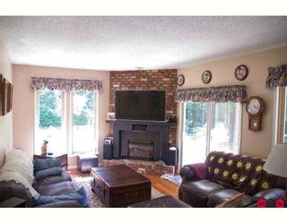 """Photo 3: 4671 204TH Street in Langley: Langley City House for sale in """"MOSSEY ESTATES"""" : MLS®# F2911498"""