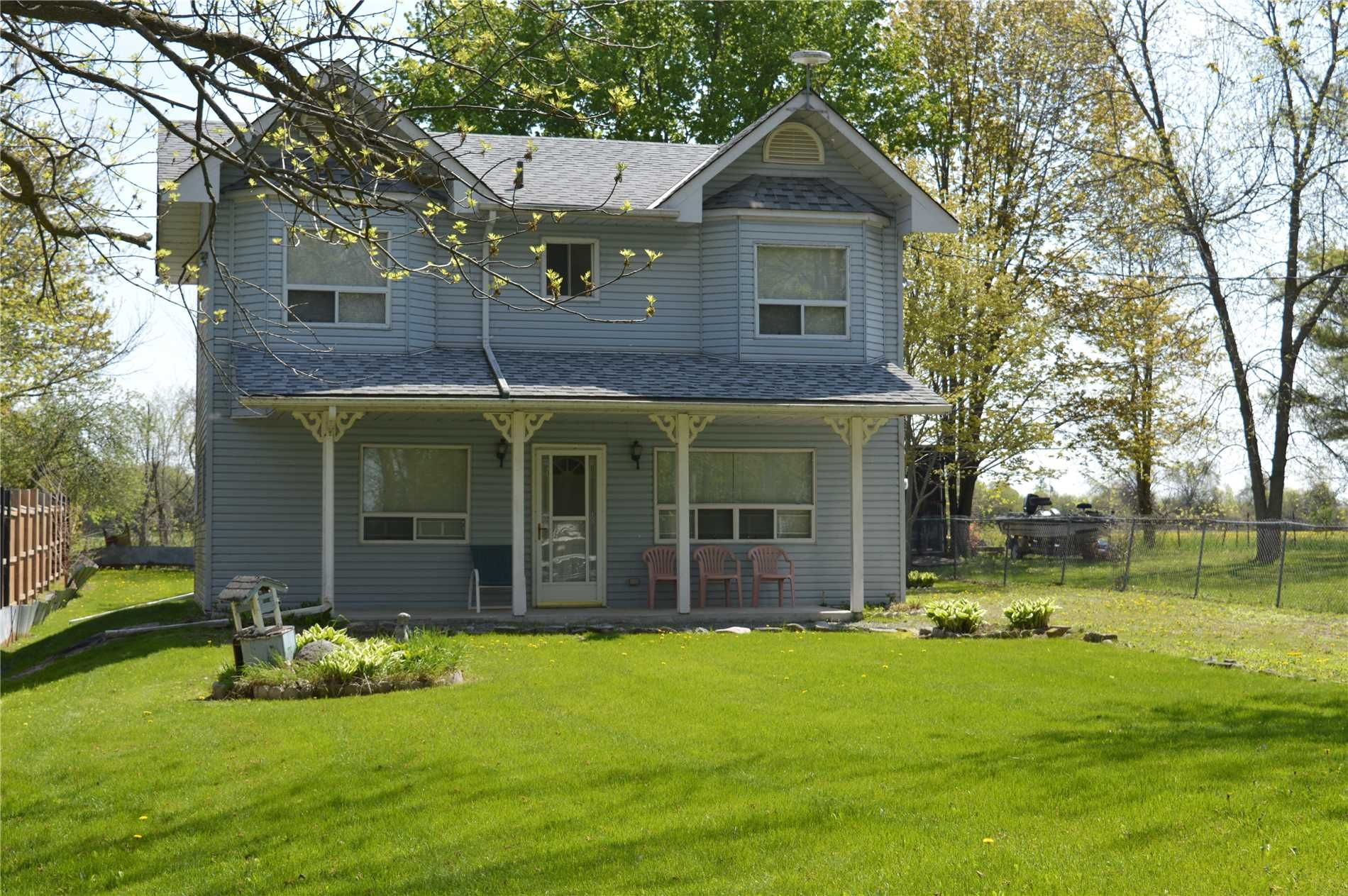 Main Photo: 2519 Lakeshore Drive in Ramara: Brechin House (2-Storey) for sale : MLS®# S4463780