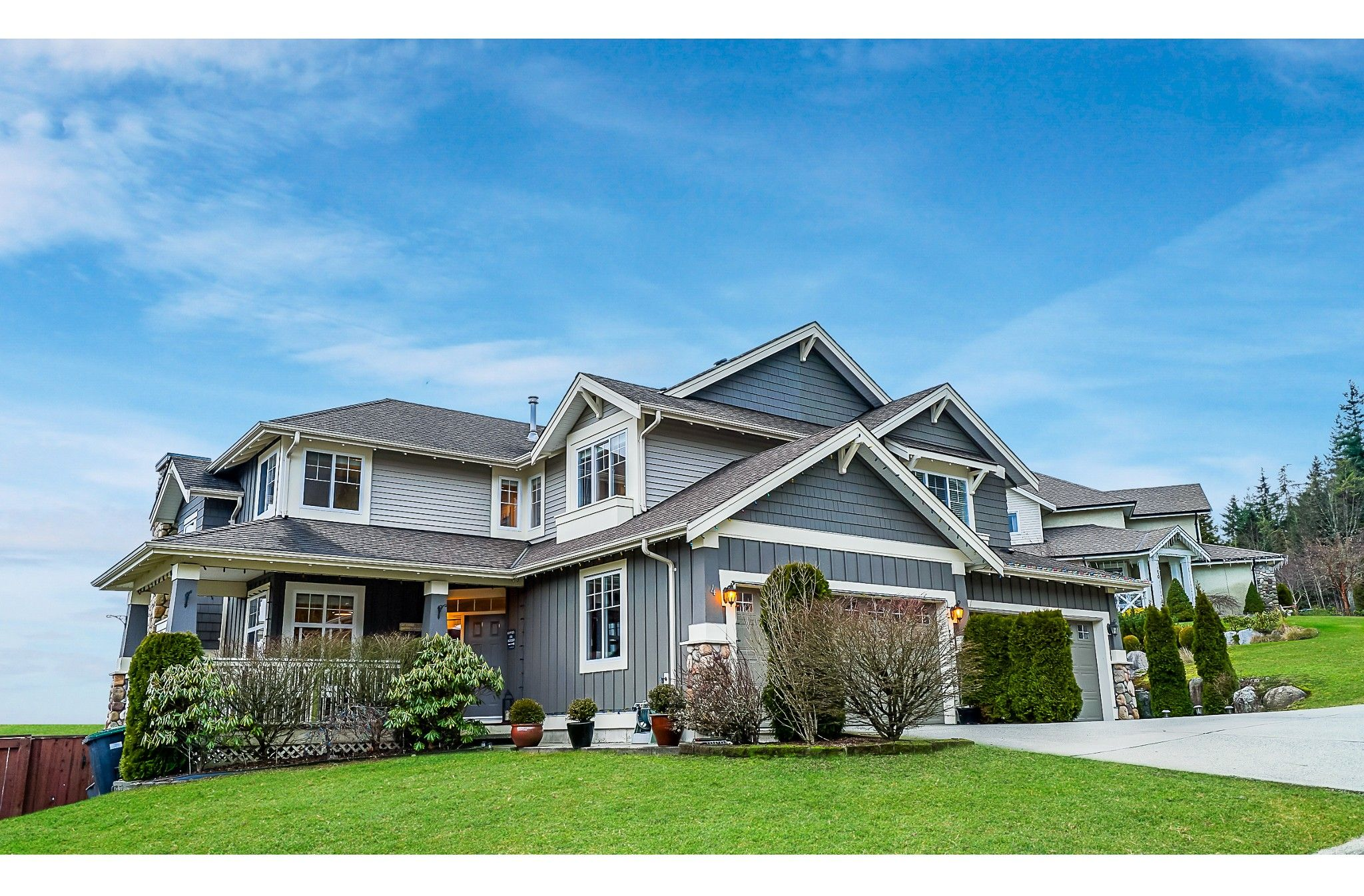 """Main Photo: 4 HICKORY Drive in Port Moody: Heritage Woods PM House for sale in """"Echo Ridge- Heritage Mountain"""" : MLS®# R2428559"""