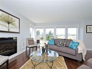 Photo 10: 800 Summerwood Pl in VICTORIA: SE Broadmead House for sale (Saanich East)  : MLS®# 695460