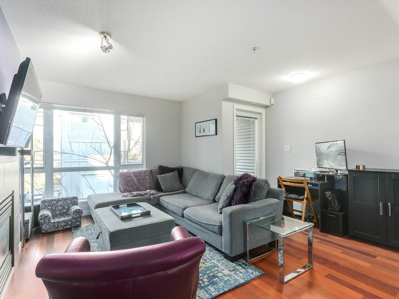 Photo 3: Photos: 119 672 W 6TH AVENUE in Vancouver: Fairview VW Townhouse for sale (Vancouver West)  : MLS®# R2401186