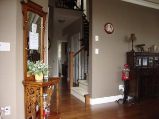 """Photo 4: 34814 1ST Avenue in Abbotsford: Poplar House for sale in """"Huntingdon"""" : MLS®# F1405409"""