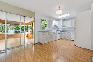 Photo 3: 368 Douglas St in : CV Comox (Town of) House for sale (Comox Valley)  : MLS®# 876193