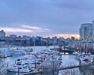 """Photo 28: 3F 1067 MARINASIDE Crescent in Vancouver: Yaletown Townhouse for sale in """"Quaywest"""" (Vancouver West)  : MLS®# R2551534"""