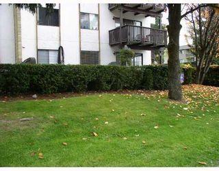 """Photo 9: 103 12170 222ND Street in Maple_Ridge: West Central Condo for sale in """"WILDWOOD TERRACE"""" (Maple Ridge)  : MLS®# V741110"""