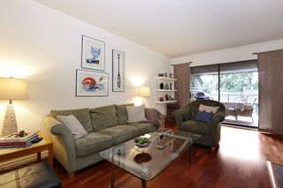 """Photo 4: 822 FREDERICK Road in North Vancouver: Lynn Valley Townhouse for sale in """"Lara Lynn"""" : MLS®# R2214486"""