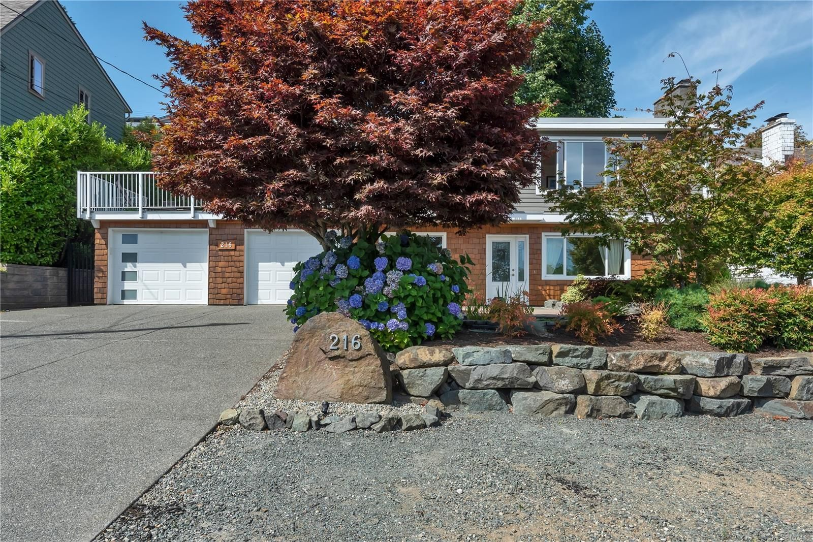 Main Photo: 216 S McLean St in : CR Campbell River South House for sale (Campbell River)  : MLS®# 852410