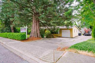 Photo 2: 26492 29 Avenue in Langley: Aldergrove Langley House for sale : MLS®# R2597876