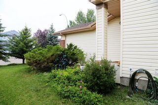 Photo 4: 12 Millview Common SW in Calgary: Millrise Detached for sale : MLS®# A1131353