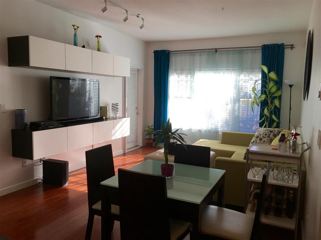 Photo 3: Photos: 106 2488 KELLY Avenue in Port Coquitlam: Central Pt Coquitlam Condo for sale : MLS®# R2216914