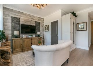 """Photo 17: 28 15717 MOUNTAIN VIEW Drive in Surrey: Grandview Surrey Townhouse for sale in """"Olivia"""" (South Surrey White Rock)  : MLS®# R2600355"""
