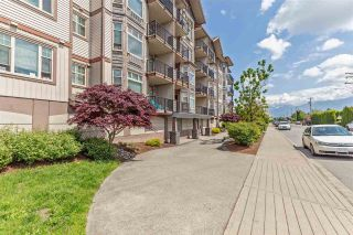 """Photo 3: 201 46021 SECOND Avenue in Chilliwack: Chilliwack E Young-Yale Condo for sale in """"The Charleston"""" : MLS®# R2578367"""