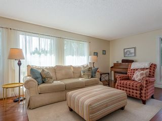 Photo 7: 5451 Silverdale Drive NW in Calgary: Silver Springs Detached for sale : MLS®# A1011333
