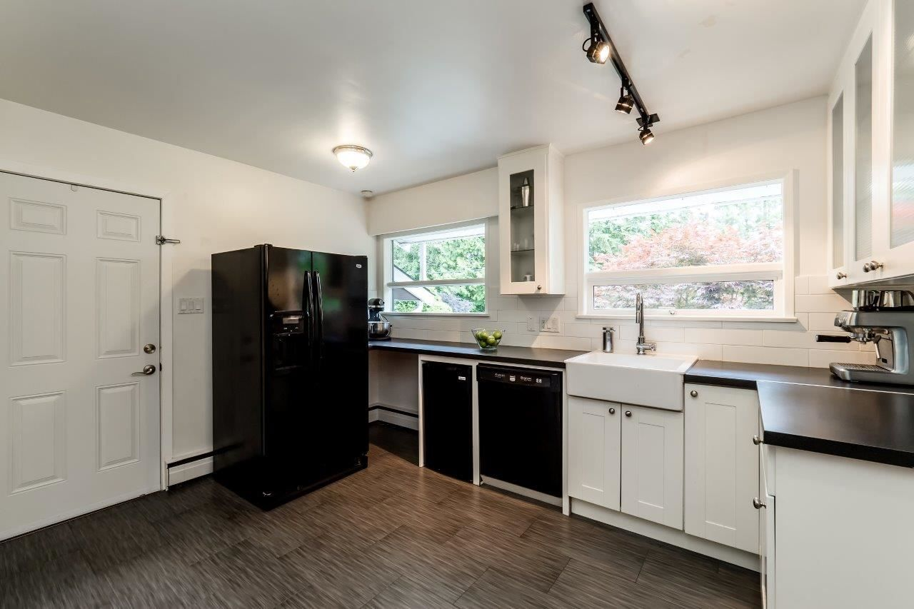 Photo 8: Photos: 1002 CLEMENTS Avenue in North Vancouver: Canyon Heights NV House for sale : MLS®# R2078694