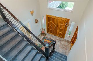 Photo 2: 20438 93A AVENUE in Langley: Walnut Grove House for sale : MLS®# R2388855