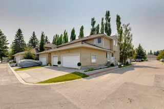 Main Photo: 15 Cedarview Mews SW in Calgary: Cedarbrae Row/Townhouse for sale : MLS®# A1129520