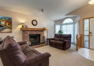 Photo 4: 152 Riverside Circle SE in Calgary: Riverbend Detached for sale : MLS®# A1154041