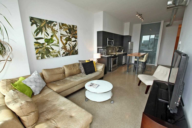 Photo 5: Photos: Ph815 510 E King Street in Toronto: Moss Park Condo for lease (Toronto C08)  : MLS®# C4532633