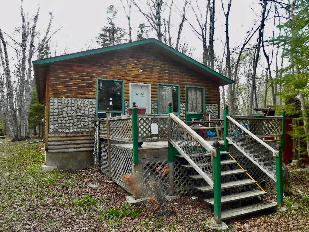 Main Photo: 154 Eastland Drive: Traverse Bay Residential for sale (R27)  : MLS®# 202111913