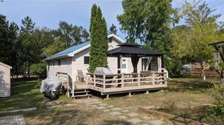 Photo 3: 56 Edith Road in Belair: Lester Beach Residential for sale (R27)  : MLS®# 202120970