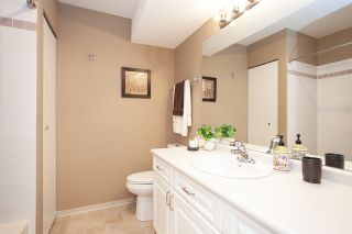 """Photo 16: 4 6537 138 Street in Surrey: East Newton Townhouse for sale in """"Charleston Green"""" : MLS®# R2303833"""