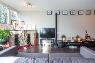 "Photo 3: 208 1159 MAIN Street in Vancouver: Mount Pleasant VE Condo for sale in ""CITYGATE II"" (Vancouver East)  : MLS®# R2325232"