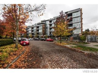 Photo 4: 107 365 Waterfront Cres in VICTORIA: Vi Rock Bay Condo for sale (Victoria)  : MLS®# 745023