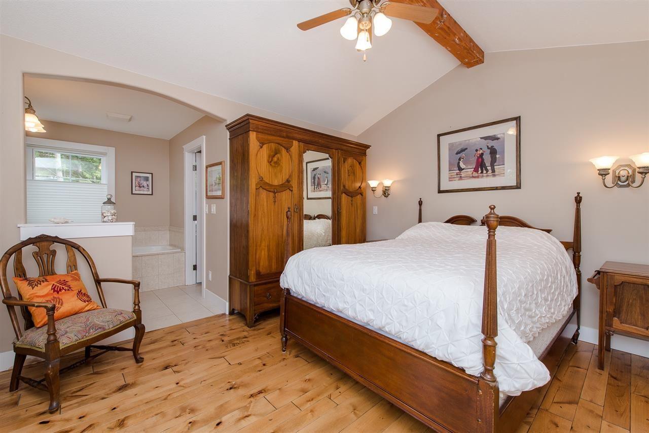 "Photo 26: Photos: 416 MAPLE Street: Cultus Lake House for sale in ""Cultus lake Park"" : MLS®# R2493541"