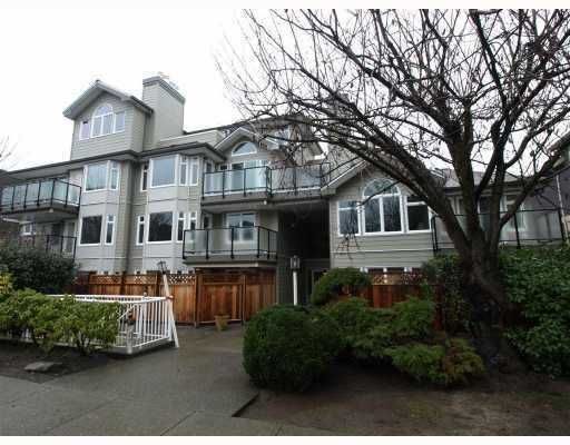 "Main Photo: 209 965 W 15TH Avenue in Vancouver: Fairview VW Condo for sale in ""FIFTEEN OAKS"" (Vancouver West)  : MLS®# V802379"
