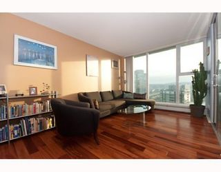 """Photo 2: 3105 1009 EXPO Boulevard in Vancouver: Downtown VW Condo  in """"LANDMARK 33"""" (Vancouver West)  : MLS®# V801794"""
