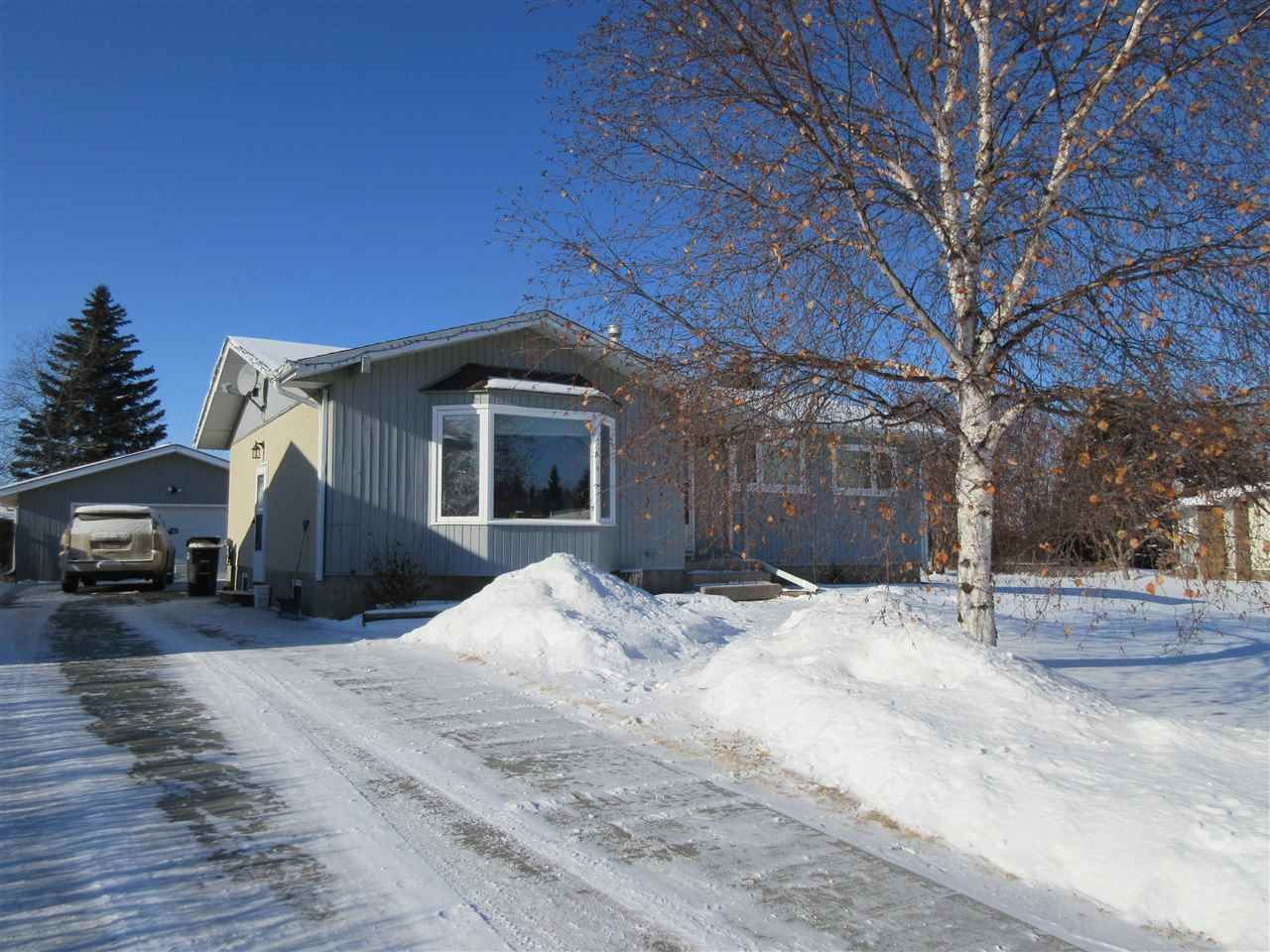 Main Photo: 5315 60 Street: Redwater House for sale : MLS®# E4227452
