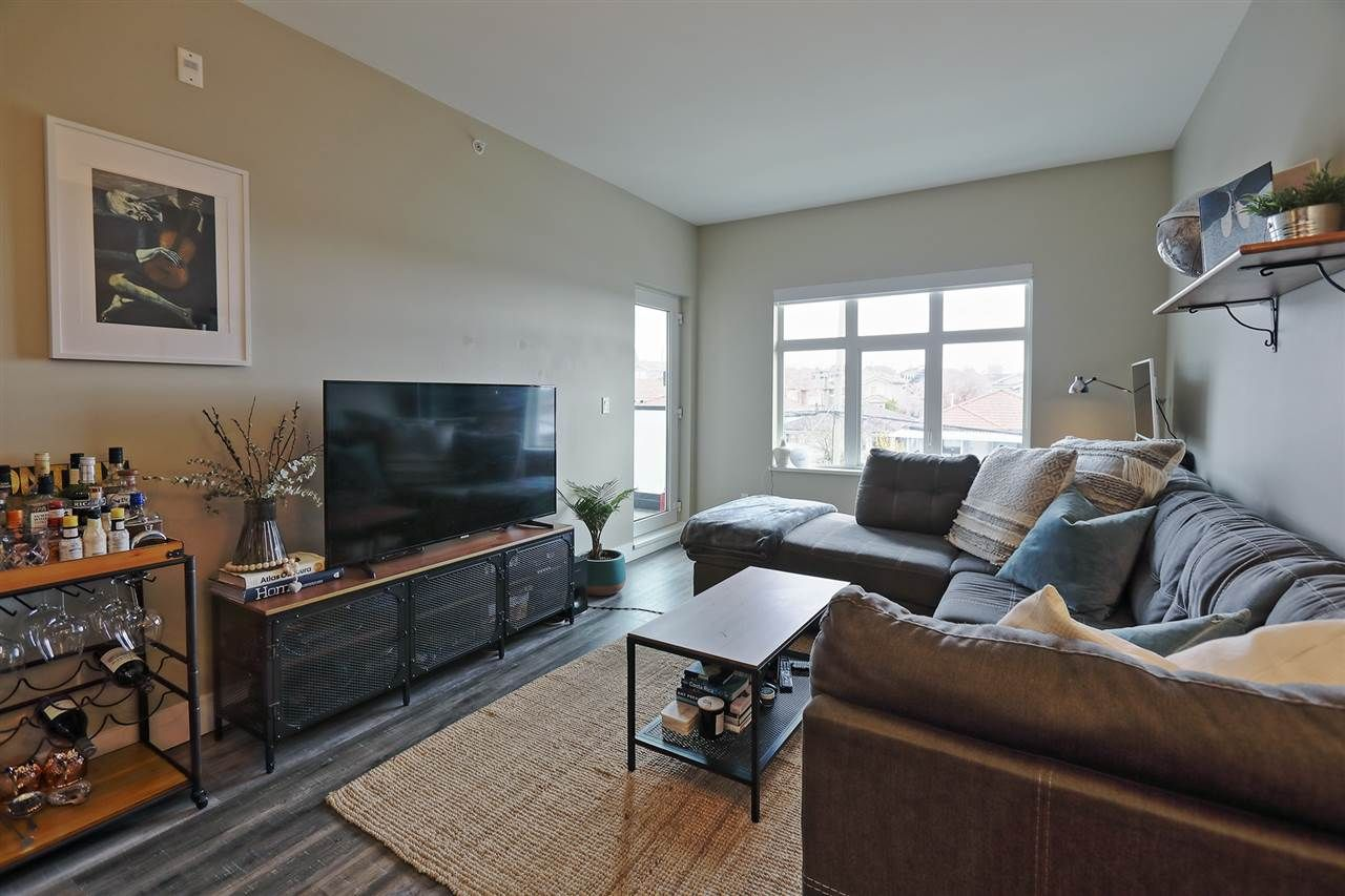 """Main Photo: 304 4710 HASTINGS Street in Burnaby: Capitol Hill BN Condo for sale in """"Altezza"""" (Burnaby North)  : MLS®# R2558884"""