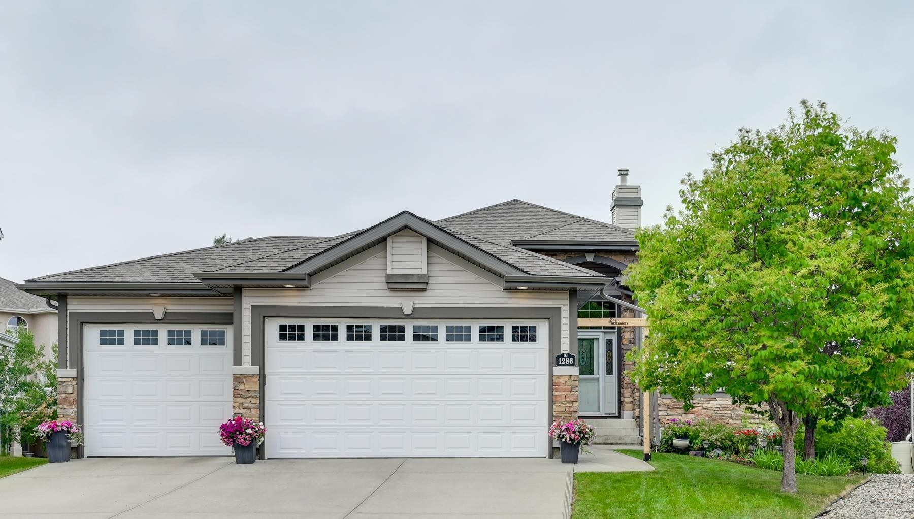 Main Photo: 1286 RUTHERFORD Road in Edmonton: Zone 55 House for sale : MLS®# E4255582