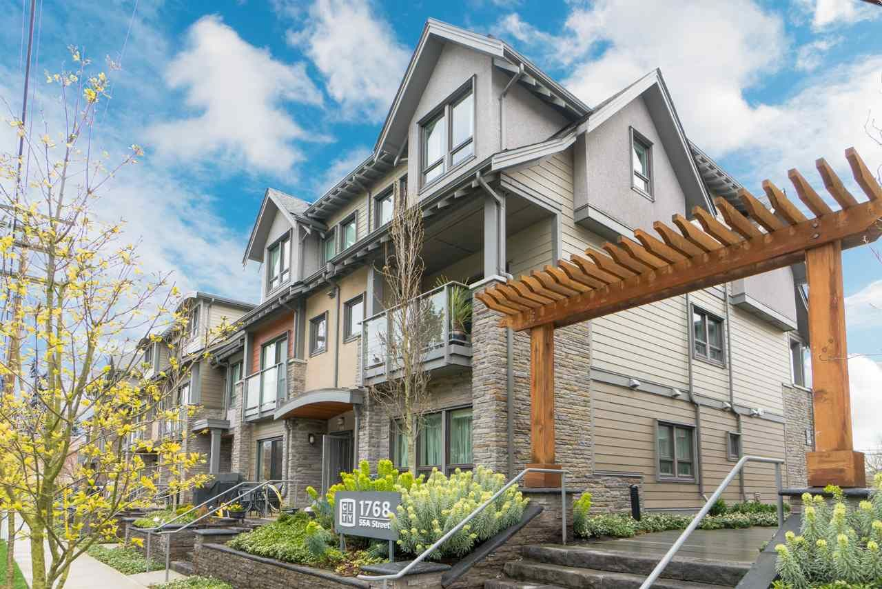 """Main Photo: 312 1768 E 55A Street in Delta: Cliff Drive Townhouse for sale in """"CITY HOMES"""" (Tsawwassen)  : MLS®# R2357231"""