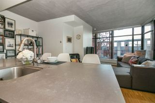 """Photo 8: 803 128 W CORDOVA Street in Vancouver: Downtown VW Condo for sale in """"WOODWARDS W43"""" (Vancouver West)  : MLS®# R2241482"""