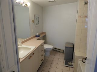 """Photo 10: 503 15111 RUSSELL Avenue: White Rock Condo for sale in """"Pacific Terrace"""" (South Surrey White Rock)  : MLS®# R2576194"""