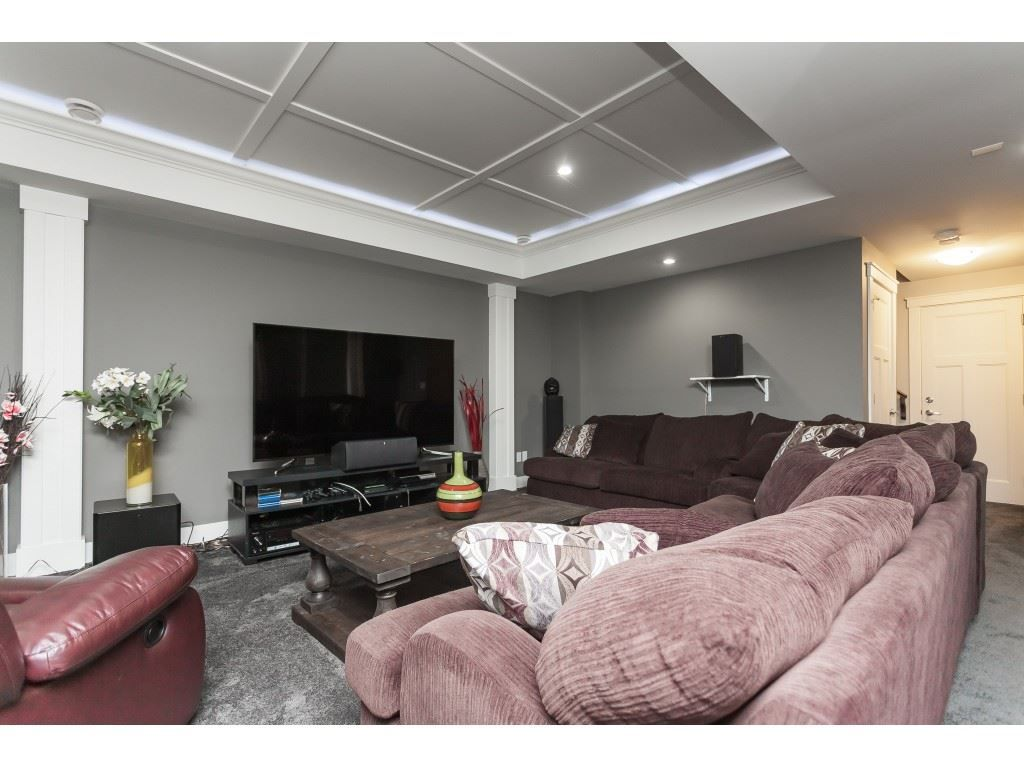 Photo 17: Photos: 5419 189A Street in Surrey: Cloverdale BC House for sale (Cloverdale)  : MLS®# R2420375