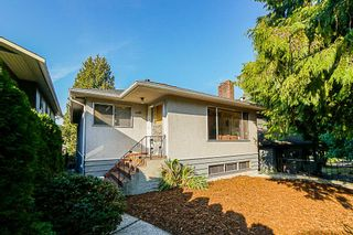 Photo 1: 4159 MCGILL Street in Burnaby: Vancouver Heights House for sale (Burnaby North)  : MLS®# R2302442