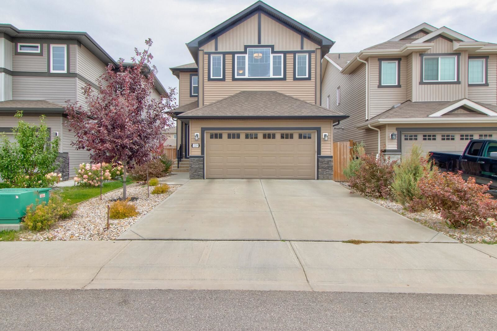 Main Photo: 1219 164 Street in Edmonton: Zone 56 House for sale : MLS®# E4252530