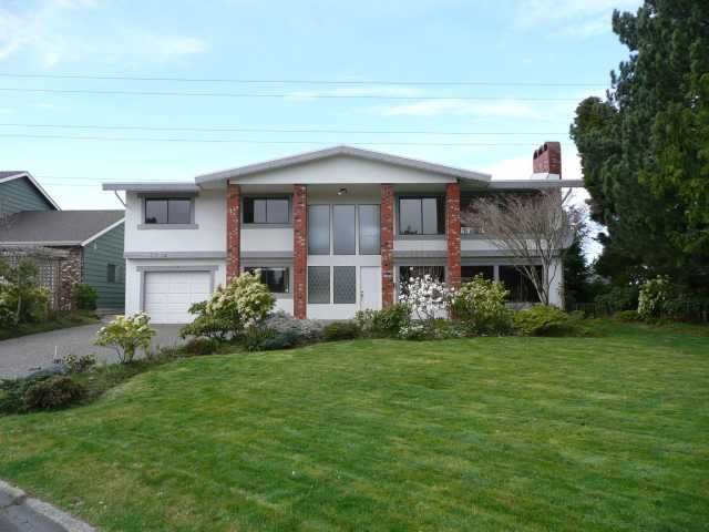 "Main Photo: 5173 GALWAY Drive in Tsawwassen: Pebble Hill House for sale in ""TSAWWASSEN HEIGHTS"" : MLS®# V814736"