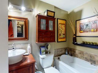 Photo 17: 11105 157A Avenue in Edmonton: Zone 27 House for sale : MLS®# E4235525