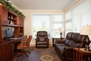 Photo 14: 219 4600 Westwater Drive in Coppersky East: Home for sale