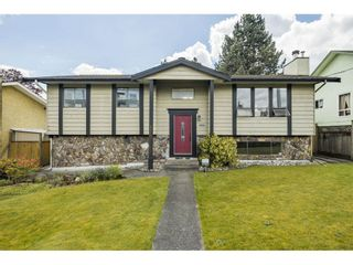 """Photo 4: 19558 64 Avenue in Surrey: Clayton House for sale in """"Bakerview"""" (Cloverdale)  : MLS®# R2575941"""